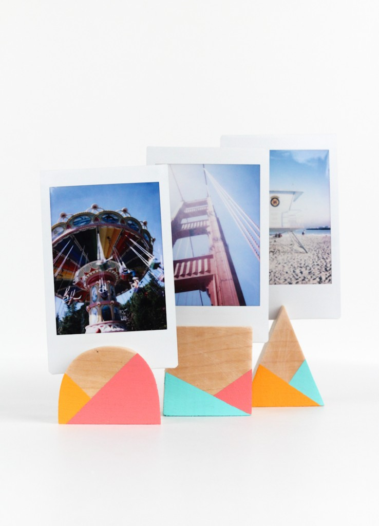 DIY Geometric Photo Holders (click through for full tutorial!)